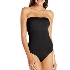 BOGO- Wacoal b-smooth strapless shapewear bodybrie